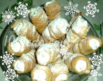 Слоеные рожки Снежные с фруктово-белковым кремом к новогоднему чаепитию