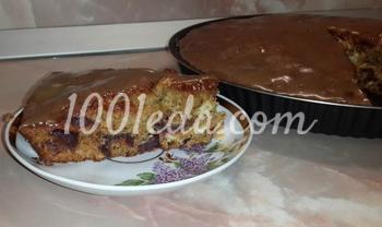 Пирог с финиками под сливочным соусом